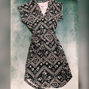 NO BOUNDARIES Black Elephant Print Shift Dress
